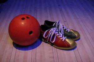 Bowling je vhodná zábava pre starších aj mladých