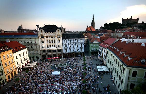 Nalaďte sa na Bratislavu!
